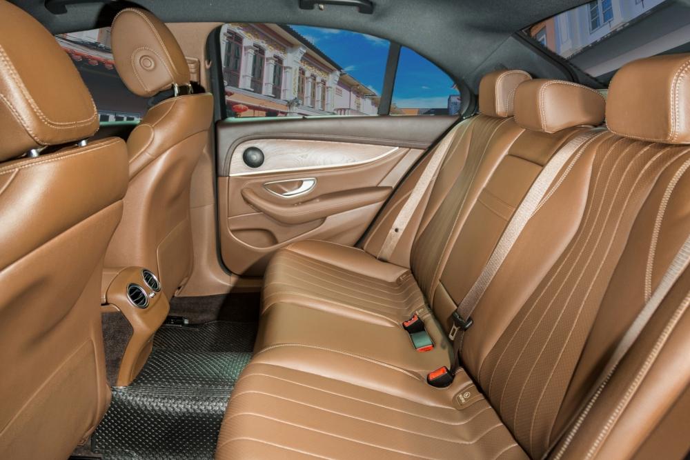 67959503ab ... mercedes-benz-e220d-interior